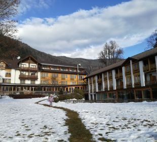 Hotel vom See aus Hotel Urbani Ossiacher See