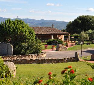 Blick auf das Rezeptionsgebäude Hotel Parco Degli Ulivi