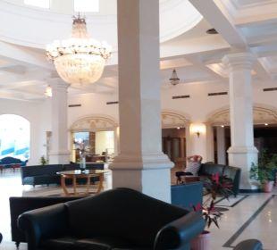 Lobby Brayka Bay Resort