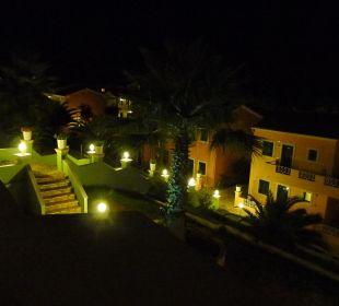 Ausblick bei Nacht Hotel Robolla Beach