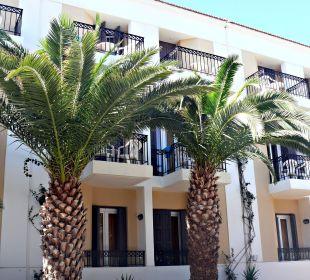 Blick von der Straße auf das Hotel Hotel Fortezza
