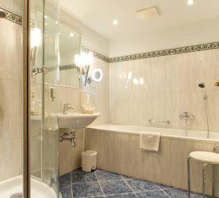Badezimmer groß Seeböckenhotel Zum weissen Hirschen