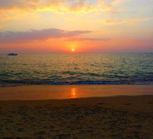Sonnenuntergang La Flora Resort & Spa
