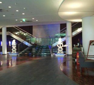 Treppe von der Rezeption zum ersten Obergeschoss Hotel centrovital