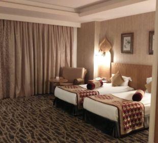 2 große Betten Hotel Royal Dragon