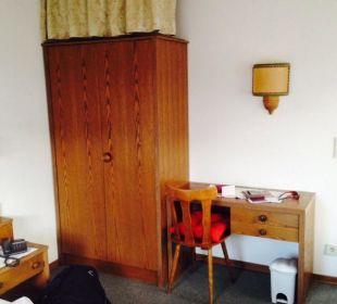 Zimmer im alten Gebäude  Hotel Heigenhauser