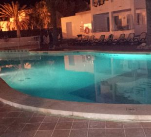 Sehr sehr klein, Badetücher gestohlen Hotel Ola Club Cecilia