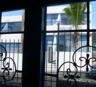 Schlafzimmerausblick zur Straßenseite Hotel Jable
