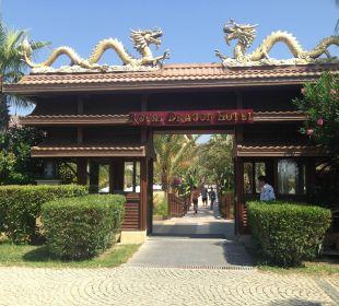 Hintereingang vom Strand aus kommend Hotel Royal Dragon