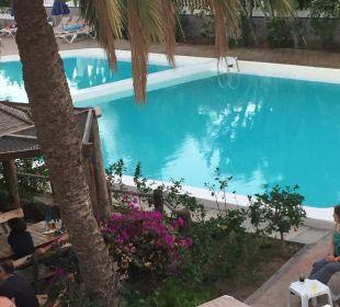 Pool Hotel HL Miraflor Suites