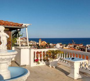 Ausblick über Sarti von der Villa Anesa