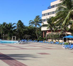 Innernbereich des Hotels mit Pool Memories Miramar Havana
