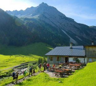 Wanderung zum Bergfrühstück auf der Hütte Der Kleinwalsertaler Rosenhof