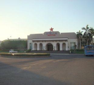 Entrée de l'hôtel Stella Di Mare Beach Resort & Spa Makadi Bay