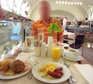 Breakfast K+K Hotel Central