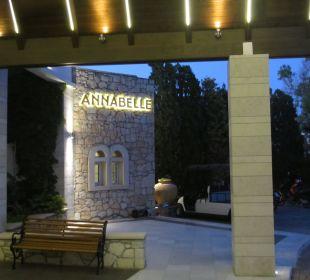 Eingang AKS Annabelle Beach Resort