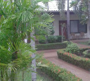 Weg zum Bungalow Thai Garden Resort