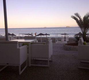 Blick von der Strandbar aufs Meer lti fashion Garbi