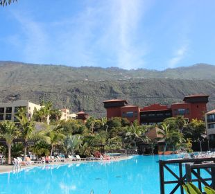 Blick vom Pool in Richtung Berge La Palma Princess