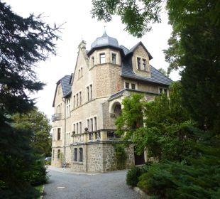 Hotel vom Weg aus gesehen Schlosshotel Stecklenberg