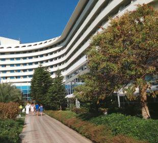 Weg vom Strand zum Hotel Hotel Concorde De Luxe Resort