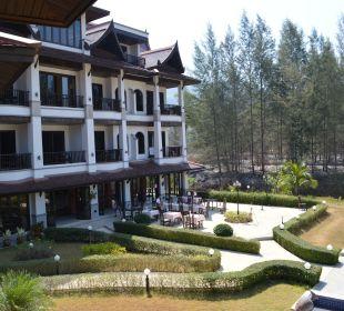 Frühstücksbereich beim Haupthaus Khao Lak Riverside Resort & Spa
