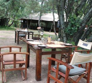 Essen im Freien Mara Bush Camp