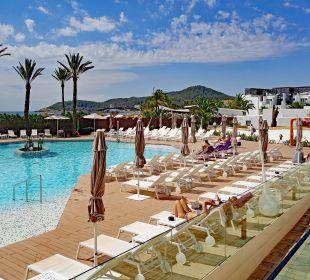 Aussicht auf Poolanlage - Meereseite Hard Rock Hotel Ibiza