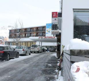 Blick auf einen Teil vom Laudinella-Gebäudekomplex Hotel Laudinella