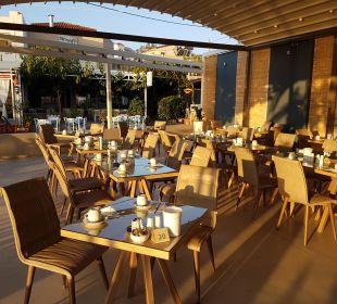 Terrasse - neue Möbel Hotel Corissia Beach