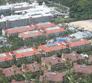Unser Hotel von oben Luxury Bahia Principe Esmeralda Don Pablo Collection