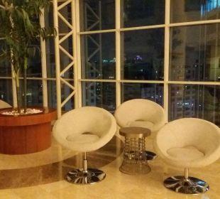 Sitzgruppen auf Zwischenetagen Hotel Grand Millennium Al Wahda Abu Dhabi