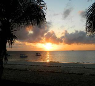 Sonnenaufgang am Strand Hotel Traveller's Club