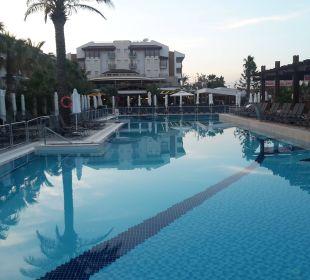 Kleiner Pool Belek Beach Resort Hotel