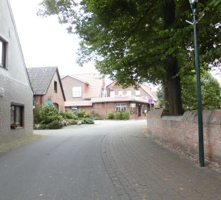 Das Hotel hinten in der Straße Hotel Landhaus Wremer Deel