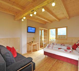 Komfortzimmer mit Dusche/Wc, TV, Kühlschrank feel free Adventure Camp
