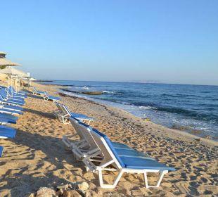 Strand am Morgen AKS Annabelle Beach Resort