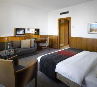 Guest Room K+K Palais Hotel