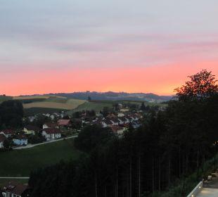 Ausblick vom Balkon Hotel Schatz.Kammer Burg Kreuzen