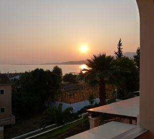 Zimmerausblick morgens Hotel Robolla Beach