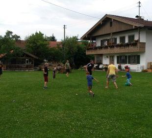 Große Spielwiese Ferienhof Streidl