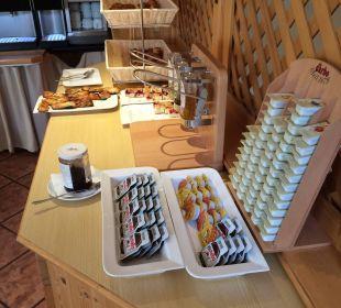 Nutella, Erdnussbutter, Honig, Corissants, Kuchen Hotel Bavaria Berchtesgaden