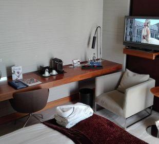 Schreibtisch TV Radisson Blu Hotel Köln