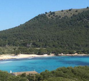 Blick vom Balkon auf den Strand Cala Agulla Hotel & Spa S'Entrador Playa
