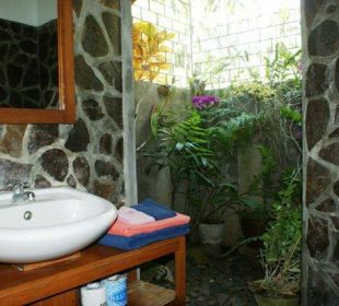 Das Badezimmer vom kleinen Bungalow Saraswati Holiday House