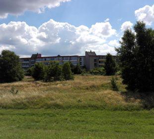 Blick vom Deich Richtung Haus an der Düne Apartments Ferienpark Weissenhäuser Strand