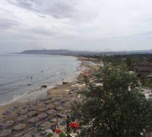 Blick auf den Strand von der Panorama Bar - Ost Hotel Corissia Princess