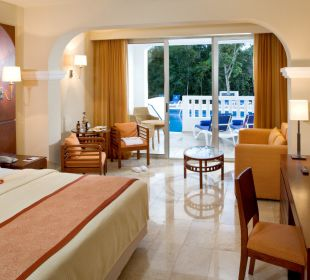 Junior Suite Deluxe SwimOut  Grand Riviera Princess All Suites & Spa Resort