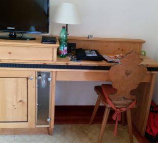 Schreibtisch + TV Hotel Sonnblick