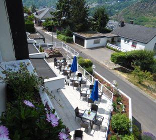 Blick auf die Aussenterrasse Moselromantik Hotel Thul